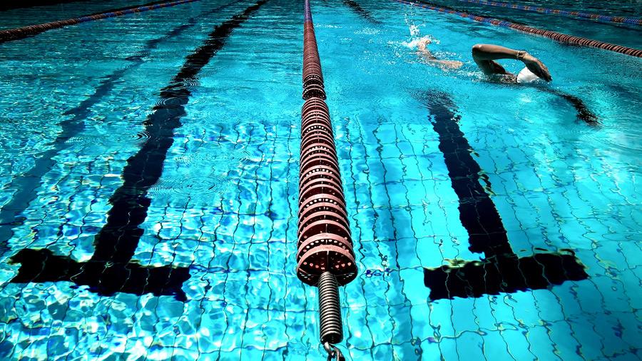 プール熱は大人も注意!予防と対策をご紹介